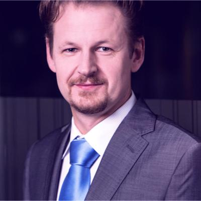 RAFAŁ JAKUBOWSKI // MBANK // DYREKTOR MARKETINGU