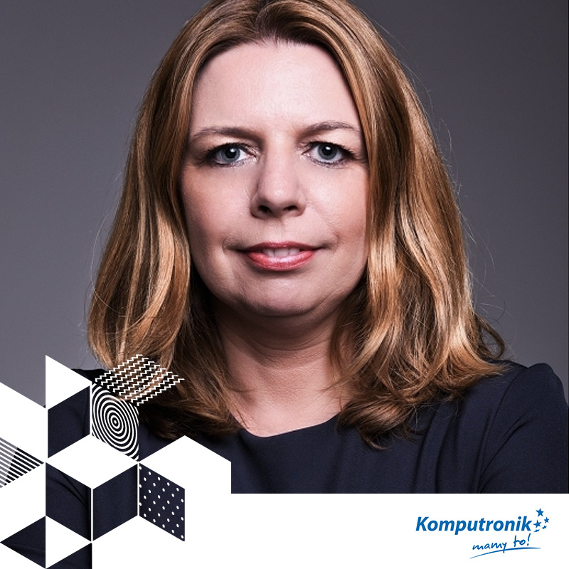 KAROLINA PIETZ-DRAPIŃSKA // DYREKTOR MARKETINGU // KOMPUTRONIK