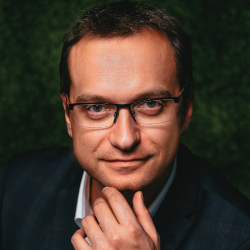 KAROL BUGAŁA // DYREKTOR DS. DIGITAL MARKETINGU // VIVUS FINANCE