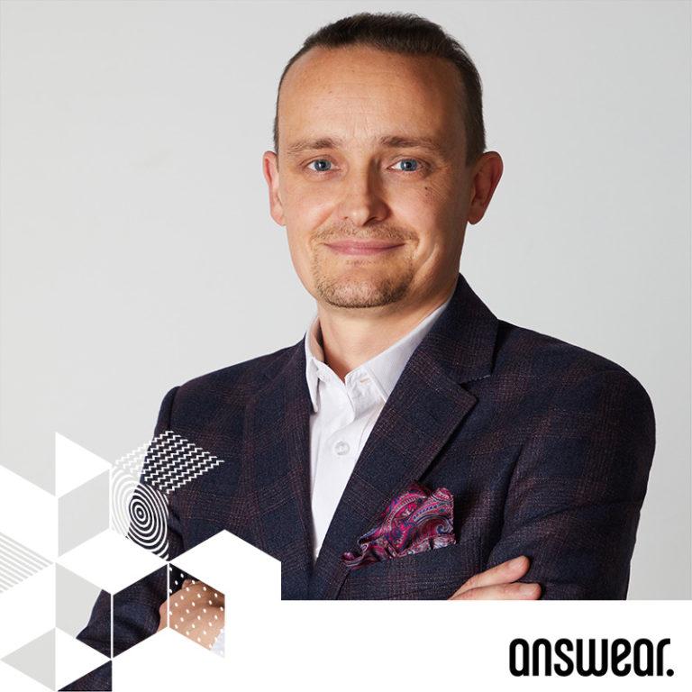 WOJCIECH TOMASZEWSKI // DYREKTOR MARKETINGU // ANSWEAR